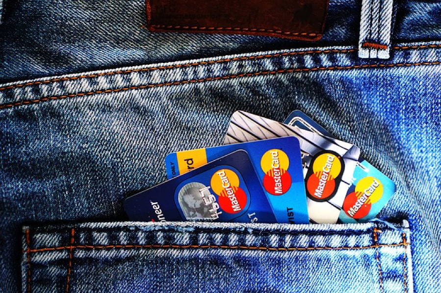 having too many credit cards can be a financial mistake